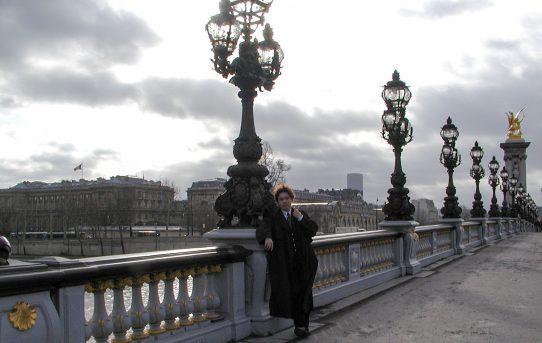 パリのはずが高崎
